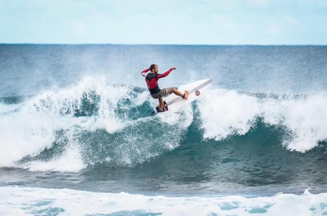Manobras de surf — aéreo